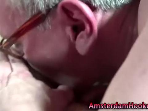 Amsterdam hooker gets her pussy licked by amateur guy